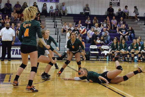Gators Fall to District Leaders, 3-0