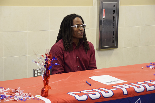 Daishawn Smith is photographed at his letter signing ceremony.
